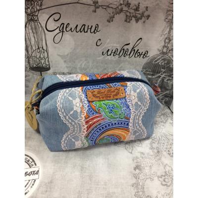 Косметичка на молнии с внутренним карманом «Зимние узоры»